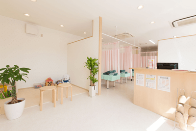 横浜市緑区にある和鍼灸整骨院の待合室の様子
